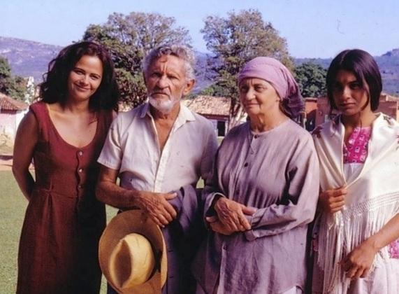 13 de Setembro – Laura Cardoso - 1927 – 90 Anos em 2017 - Acontecimentos do Dia - Foto 12 - 1995 - Laura Cardoso na segunda versão de 'Irmãos Coragem', de Janete Clair, como Sinhan