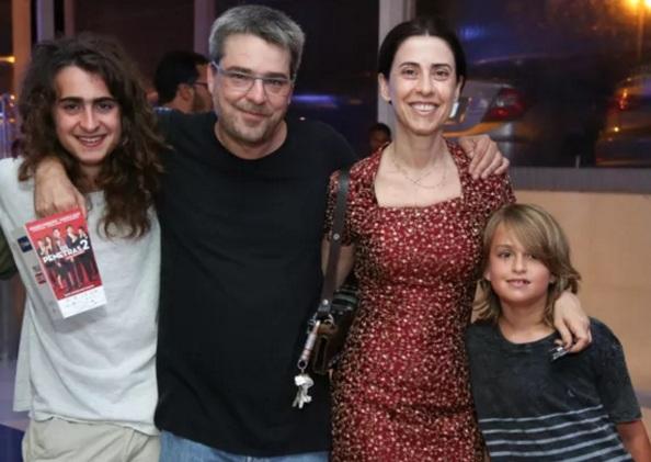 15 de Setembro – Fernanda Torres - 1965 – 52 Anos em 2017 - Acontecimentos do Dia - Foto 14 - Fernanda Torres com o marido e os filhos - Foto de Roberto Filho - Brazil News.