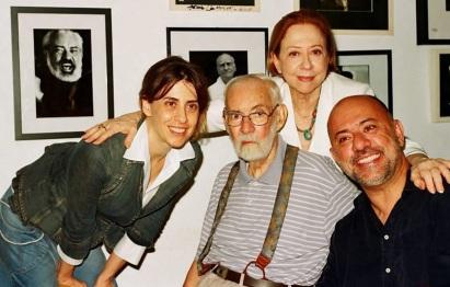 15 de Setembro – Fernanda Torres - 1965 – 52 Anos em 2017 - Acontecimentos do Dia - Foto 16 - Fernanda Torres com o pai, Fernando, a mãe, Fernanda, e o irmão, Cláudio Torres.