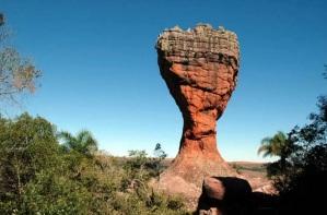 15 de Setembro – O símbolo do Parque Estadual de Vila Velha lembra o formato de uma taça — Ponta Grossa (PR) — 194 Anos em 2017.