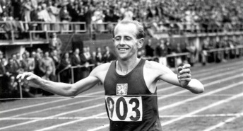 19 de Setembro – 1922 — Emil Zátopek - atleta tcheco (m. 2000).