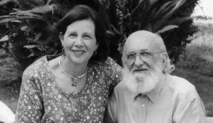 19 de Setembro – Paulo Freire - 1921 – 96 Anos em 2017 - Acontecimentos do Dia - Foto13 - Paulo Freire e a esposa Ana Maria, a Nita, como era chamada.
