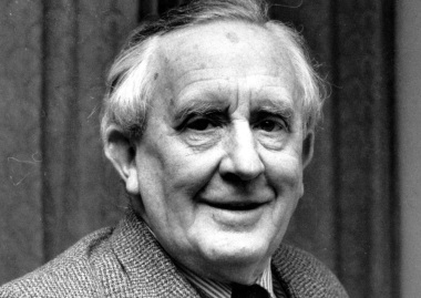 2 de Setembro – 1973 — J. R. R. Tolkien, linguista e escritor britânico (n. 1892).