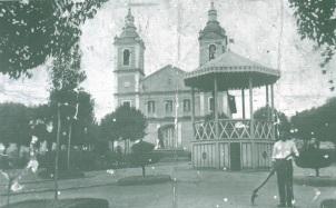 20 de Setembro – Catedral Santana de Itapeva, em 1910 — Itapeva (SP) — 248 Anos em 2017.