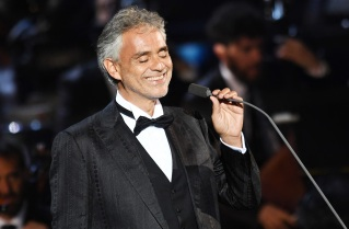 22 de Setembro – 1958 – Andrea Bocelli, tenor, escritor e compositor italiano.