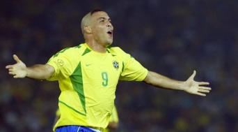 22 de Setembro – Ronaldo Nazário - Fenômeno - 1976 – 41 Anos em 2017 - Acontecimentos do Dia - Foto 6.