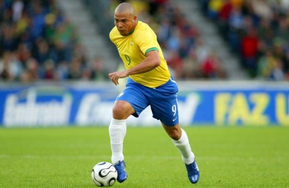 22 de Setembro – Ronaldo Nazário - Fenômeno - 1976 – 41 Anos em 2017 - Acontecimentos do Dia - Foto 9.