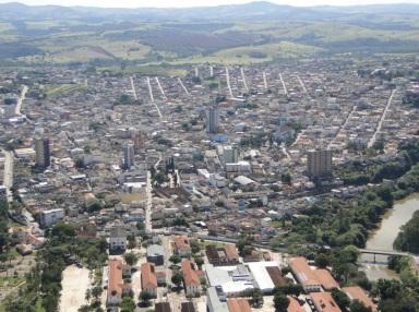 23 de Setembro – Foto aérea da cidade — Três Corações (MG) — 133 Anos em 2017.