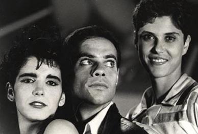 27 de Setembro – Vera Mossa - 1964 – 53 Anos em 2017 - Acontecimentos do Dia - Foto 7 - Malu Mader, Diogo Vilela e Vera Mossa, no filme 'Rock Estrela' (1985).