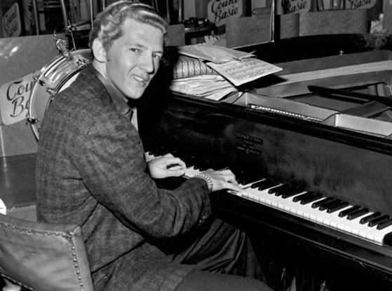 29 de Setembro – 1935 – Jerry Lee Lewis, cantor, compositor e músico norte-americano.