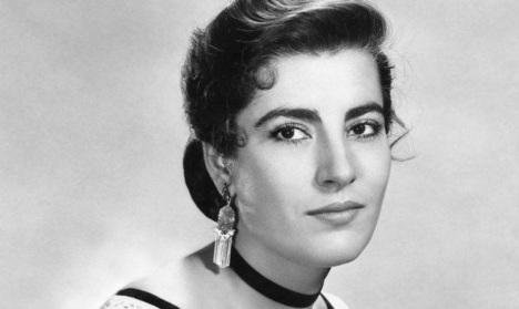 3 de Setembro – 1926 - Irene Pappás, atriz e cantora grega.