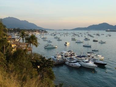 3 de Setembro – Barcos ao redor da ilha — Ilhabela (SP) — 212 Anos em 2017.