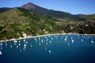 3 de Setembro – Embarcações ao redor da cidade — Ilhabela (SP) — 212 Anos em 2017.