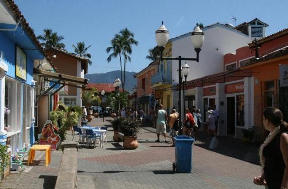 3 de Setembro – Rua do Centro Histórico — Ilhabela (SP) — 212 Anos em 2017.