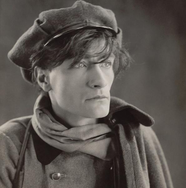 4 de Setembro – 1896 – Antonin Artaud, poeta e ator francês (m. 1948).
