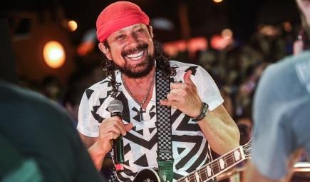 5 de Setembro – 1952 – Bell Marques, cantor brasileiro, ex-vocalista do grupo Chiclete com Banana.