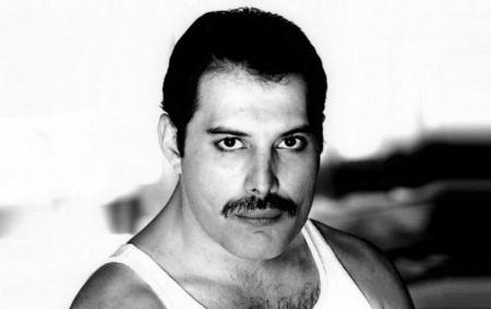 5 de Setembro – Freddie Mercury - 1946 – 71 Anos em 2017 - Acontecimentos do Dia - Foto 9.