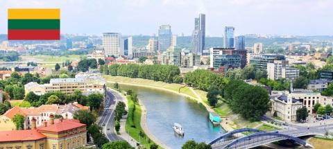 6 de Setembro – 1991 – A União Soviética reconhece a independência da Lituânia. Foto de Vilnius, capital da Lituânia.