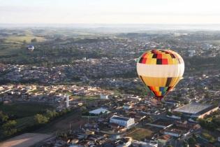 6 de Setembro – Foto aérea da cidade - Balonismo — Boituva (SP) — 80 Anos em 2017.