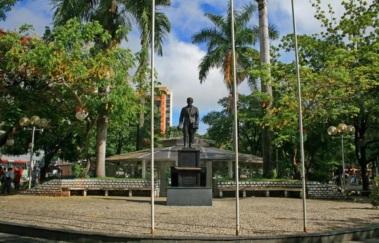 7 de Setembro – Monumento da Praça Tiradentes — Teófilo Otoni (MG) — 164 Anos em 2017.
