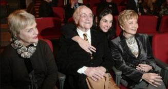 7 de Setembro – Paulo Autran - 1922 – 95 Anos em 2017 - Acontecimentos do Dia - Foto 20 - Karin Rodrigues, Paulo Autran, Lígia Cortez e Glória Menezes.