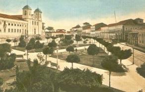 8 de Setembro – Cartão-postal da Praça João Lisboa editado por volta de 1910 — São Luís (MA) — 405 Anos em 2017.