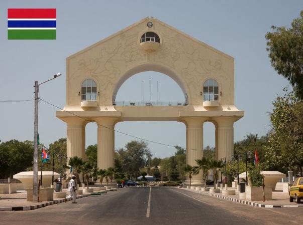 Cidade de Banjul, capital da Gâmbia.