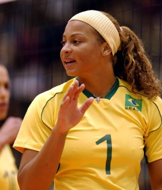 1 de Outubro - 1979 — Walewska Oliveira, jogadora brasileira de vôlei.