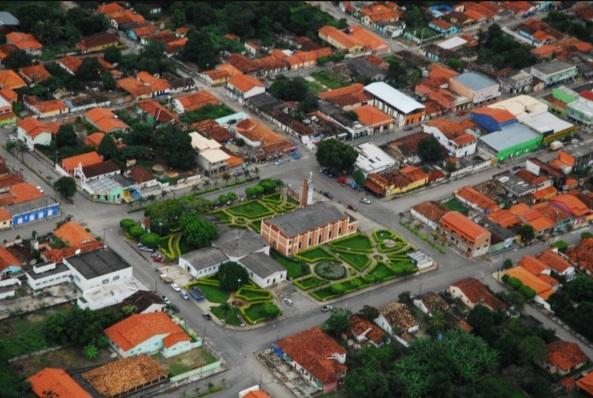 1 de Outubro - Foto aérea da cidade — Campos Belos (GO)— 63 Anos em 2017.