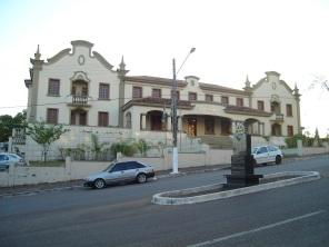 2 de Outubro - A sede da UNIR (prédio do antigo Porto Velho Hotel, Campus na BR-364, sentido Rio Branco (Acre) — Porto Velho (RO) — 103 Anos em 2017.