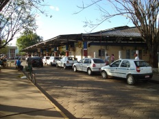 2 de Outubro - Táxis enfileirados em uma tarde movimentada na Rodoviária — Porto Velho (RO) — 103 Anos em 2017.