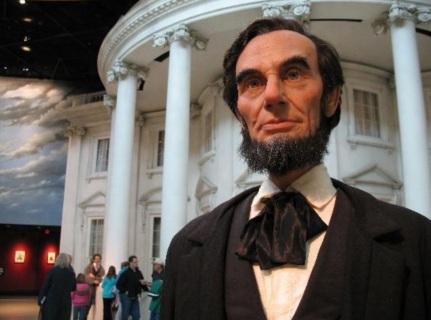 3 de Outubro - 1863 — Abraham Lincoln proclama dia de ação de graças, a última quinta-feira de Novembro.