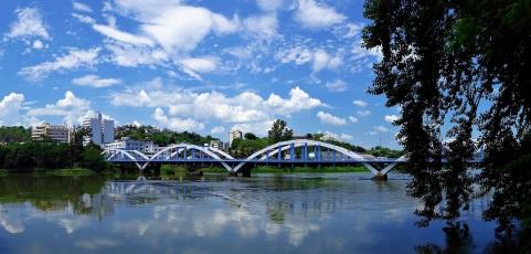 3 de Outubro - Ponte Ataulfo Pinto dos Reis, conhecida como Ponte dos Arcos - considerada a obra arquitetônica mais famosa do município — Barra Mansa (RJ) — 185 Anos em 2017.