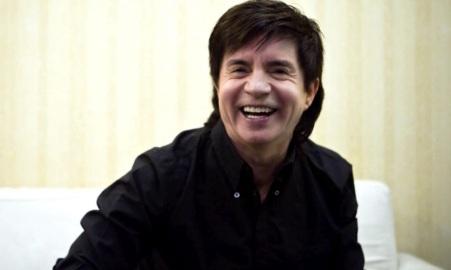 30 de Setembro – 1957 – Xororó (Durval Lima), cantor brasileiro de música sertaneja.