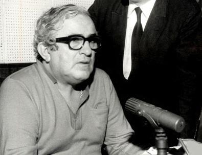 30 de Setembro – Chacrinha - 1917 – 100 Anos em 2017 - Acontecimentos do Dia - Foto 8 - Chacrinha na Rádio Globo, em 21.07.1970.