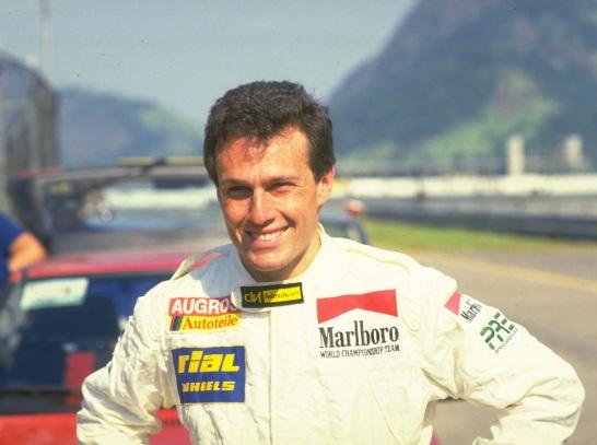 5 de Outubro - 2014 — Andrea De Cesaris, piloto automobilístico italiano (n. 1959).