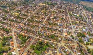 5 de Outubro - Foto aérea da cidade — Itamaraju (BA) — 56 Anos em 2017.