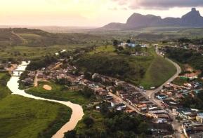 5 de Outubro - Vista panorâmica da cidade — Itamaraju (BA) — 56 Anos em 2017.
