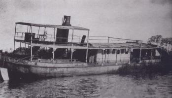 8 de Outubro - 1906 – Realizado a primeira navegação de um barco a vapor pelo Rio Paraná.