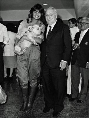 8 de Outubro - Adolpho Bloch - 1908 – 109 Anos em 2017 - Acontecimentos do Dia - Foto 15 - Adolpho Bloch e Luiza Brunet.