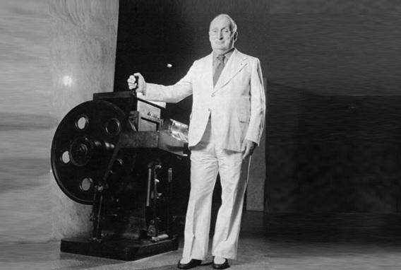 8 de Outubro - Adolpho Bloch - 1908 – 109 Anos em 2017 - Acontecimentos do Dia - Foto 7.