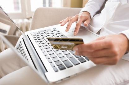 9 de Outubro - 1980 – É usado pela primeira vez na história um serviço bancário por computador (homebanking), em Knoxville, no Tennessee.