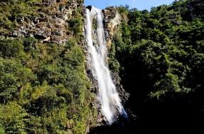 9 de Outubro - Cachoeira Alta, situada no distrito de Ipoema — Itabira (MG) — 169 Anos em 2017.