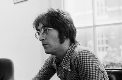 9 de Outubro - John Lennon - 1940 – 77 Anos em 2017 - Acontecimentos do Dia - Foto 4.